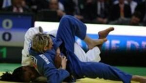 Görme engelli judocular EJU kampında