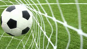 Ümraniye'de futbola rüzgar engeli