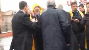 Seçim bürosu önünde yumruk iddiası