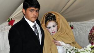 Suriyeli çift çadır kentte evlendi