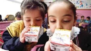 Öğrenciler 6 yıl boyunca süt içecek