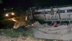 Kaza sonucu alev alan kamyonda 1 kişi yanarak öldü