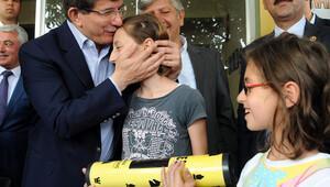 Davutoğlu, Meryem'i Ankara'ya satranç oynamaya davet etti