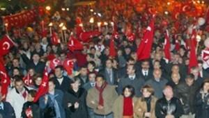 29 Ekim'e Başkent'te yasak, İstanbul'da bayrak gerginliği
