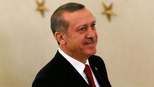 Akdoğan: Erdoğanı devirirsek her şeyden kurtuluruz dediler