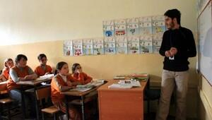 Türkiye'de 50 bin Suriyeli eğitim görüyor