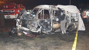 Minibüsle çarpışan otomobilin LPG tankı patladı: 6 ölü, 4 yaralı