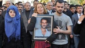 Annesi Fırat Çakıroğlu'nun fotoğrafını bırakmadı