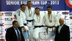 Judoda madalya yağmuru