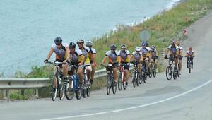 Üniversiteliler 6 bin kilometre pedal çevirecek