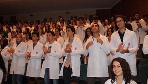 Tıp fakültesi 298 öğrencisiyle eğitime başladı