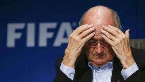 FIFA Başkanı Blatter'e istifa baskısı