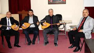 Samandağ'da halk müziği korosu