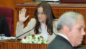 Feminist vekilden 'Federal Kıbrıs' yemini