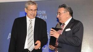 Aydın Doğan Ödülü,yazar Orhan Pamuk'a verildi