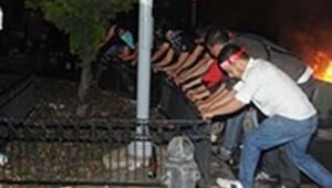 Provokatörler polis kamerasına yansıdı