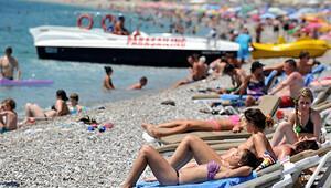 İstanbul'dan güney sahillerine 300 bin turist