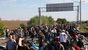 Suriyeliler ikna edildi, TEM karayolu ulaşıma açıldı