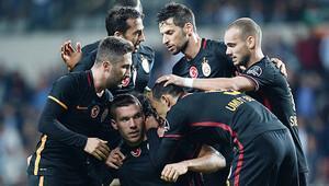 Başakşehir - Galatasaray maçını ünlü yazarlar yorumladı