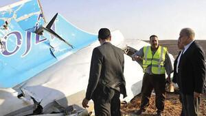 Mısır'daki facianın ardından üç havayolu şirketi Sina Yarımadası'ndan uçmayacağını açıkladı