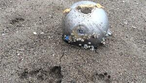 Karasu sahilinde esrarengiz cisim sahile vurdu