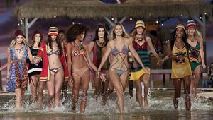 2016 Yılının 15 Moda Yasası İle En Trendy Siz Olun