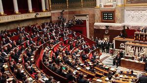 Fransa'da anayasa değişikliği konuşuluyor