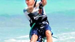 Şampiyon sörfçü hız kurbanı oldu