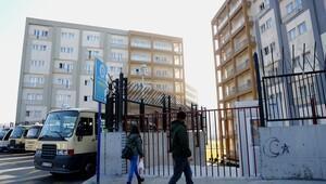 Atatürk Öğrenci Yurdu'na yeni kapı yapıldı