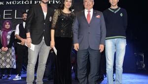 Mersin'de müzik ziyafeti