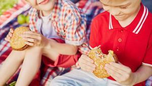 Fast food çocuklarda kronik hastalık nedeni