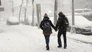 İstanbul'da kar kalınlığı 30 santimetreye ulaştı