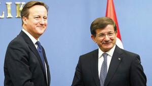İngiltere'de 25 yazardan Cameron'a 'Türkiye mektubu'