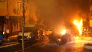 Kağıthane'de alev topuna dönen ambulans 5 aracı yaktı