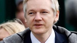 Ekvador Assangeın internetini kestiğini doğruladı