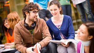 Gençlerin en büyük sorunu: İşsizlik ve eğitim
