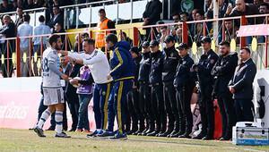 Diyarbakır'da maç seyircisiz, tribünler dolu!