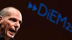 Yunanistan Maliye Bakanı Varufakis resmen geri döndü