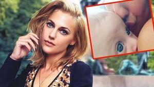 Meryem Uzerli kızı Lara'nın yüzünün göründüğü fotoğrafı paylaştı!