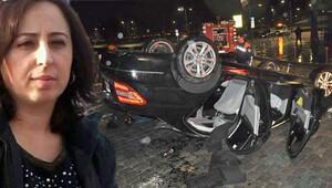 Otomobil takla attı, 'sunroof'a başı sıkışan kadın öldü