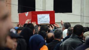 Şehit polis Yılmaz'ı son yolculuğuna 10 bin kişi uğurlandı