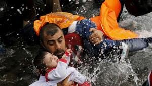 Yunanistan'ın nüfusu kadar Suriyeli evlerini terk etti