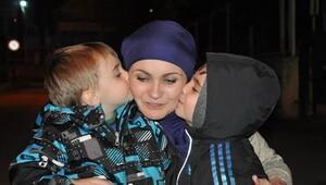 Çocuklarına kavuşan Rus anne ülkesine gitti