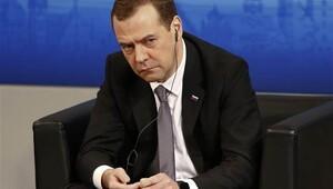 Medvedev'den yaptırımlarla ilgili yeni açıklama
