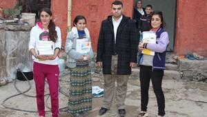 Çatışmalarda YGS kitapları yanan genç kıza destek