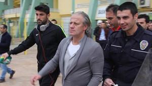 Tugay Kerimoğlu'nun basın toplantısında olay çıktı!