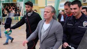 Tugay Kerimoğlu'nu polis kurtardı!