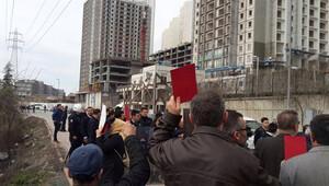 Esenyurtta eylemcilerden kırmızı kartlı, düdüklü eylem