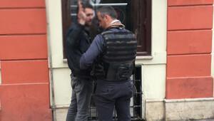 Taksim'de '2. canlı bomba benim' diye bağırdı, gözaltına alındı