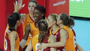 Galatasaray Daikin: 3 - Halkbank: 0